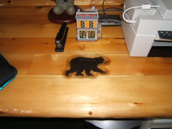 Black bear table embellishment in rustic cabin